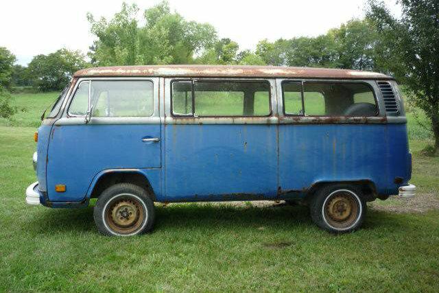 Only 850 1976 Volkswagen Bus