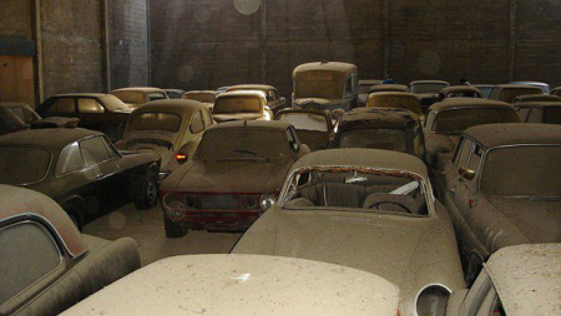 abandoned warehouse full of cars found in italy. Black Bedroom Furniture Sets. Home Design Ideas