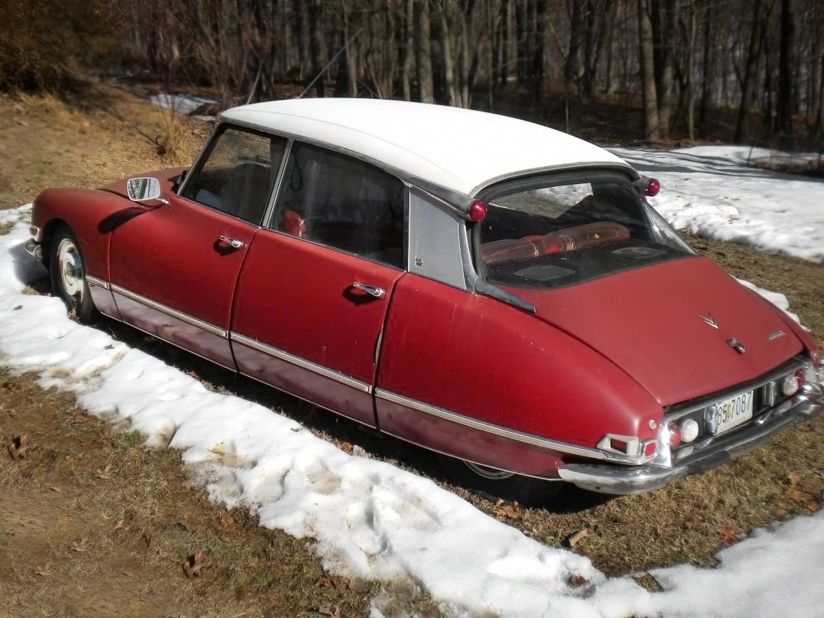 $1,800 Goddess: 1969 Citroen DS21 Parts Car