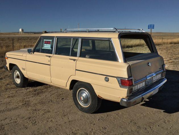 111216-barn-finds-1979-jeep-wagoneer-03