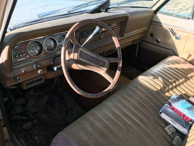 111216-barn-finds-1979-jeep-wagoneer-08