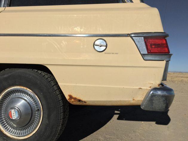 111216-barn-finds-1979-jeep-wagoneer-11