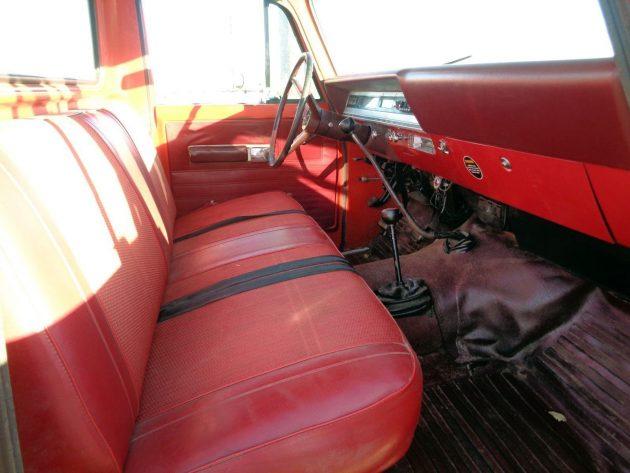 112016-barn-finds-1971-international-harvester-pickup-3