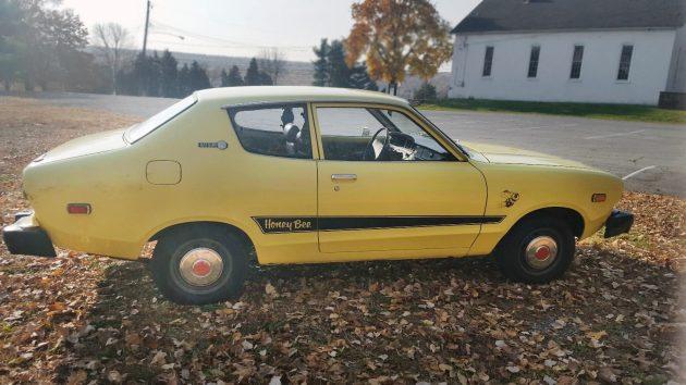 112116-barn-finds-1977-datsun-b210-honey-bee-3