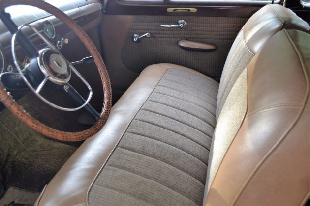 1950-ford-deluxe-interior