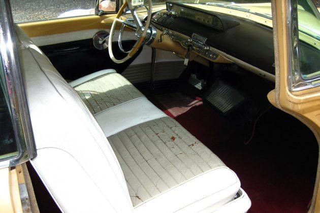 1956-lincoln-premiere-interior