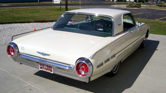 1962-thunderbird