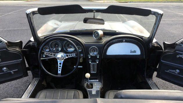1964-corvette-interior