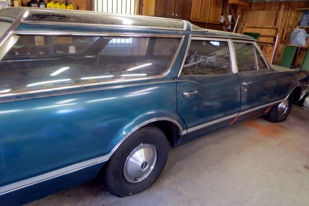 1966-oldsmobile-vista-cruiser