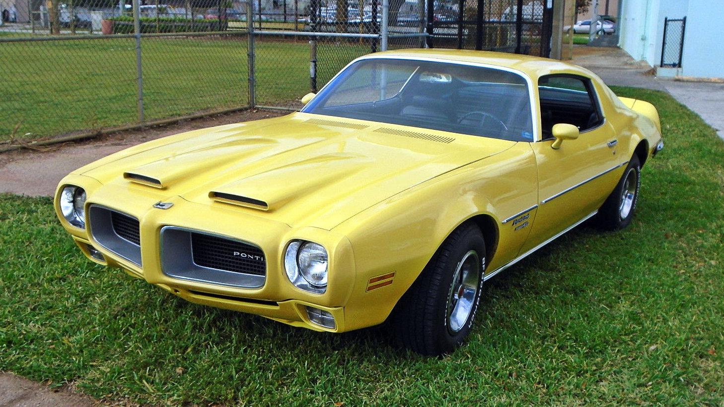 yellow gold 1970 pontiac firebird formula 400. Black Bedroom Furniture Sets. Home Design Ideas