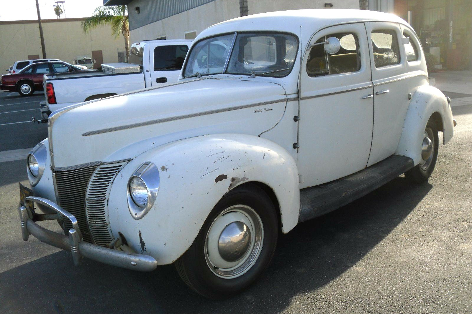 Ford Deluxe on 1940 Ford V8 Engine
