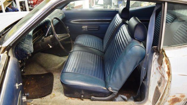 blue-bench-seat