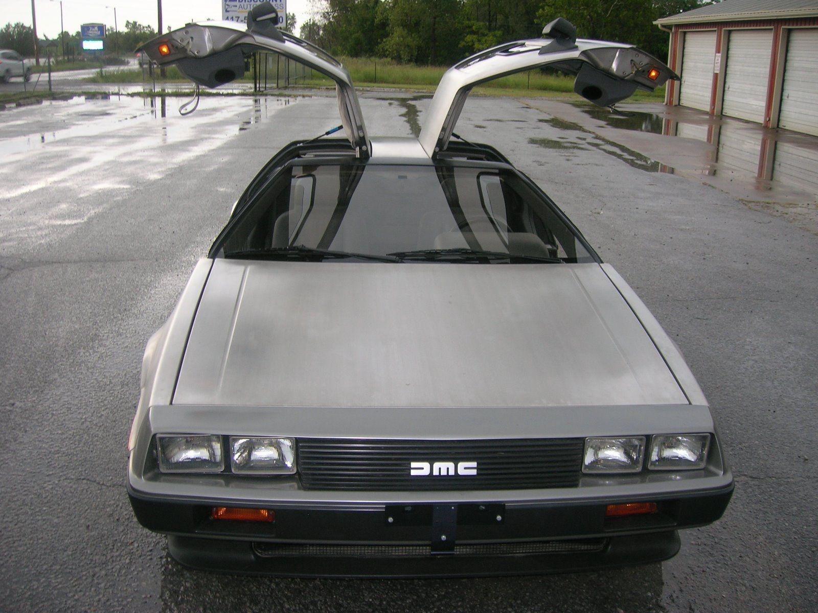 gullwing-doors & 18 Original Miles: 1981 DeLorean DMC-12