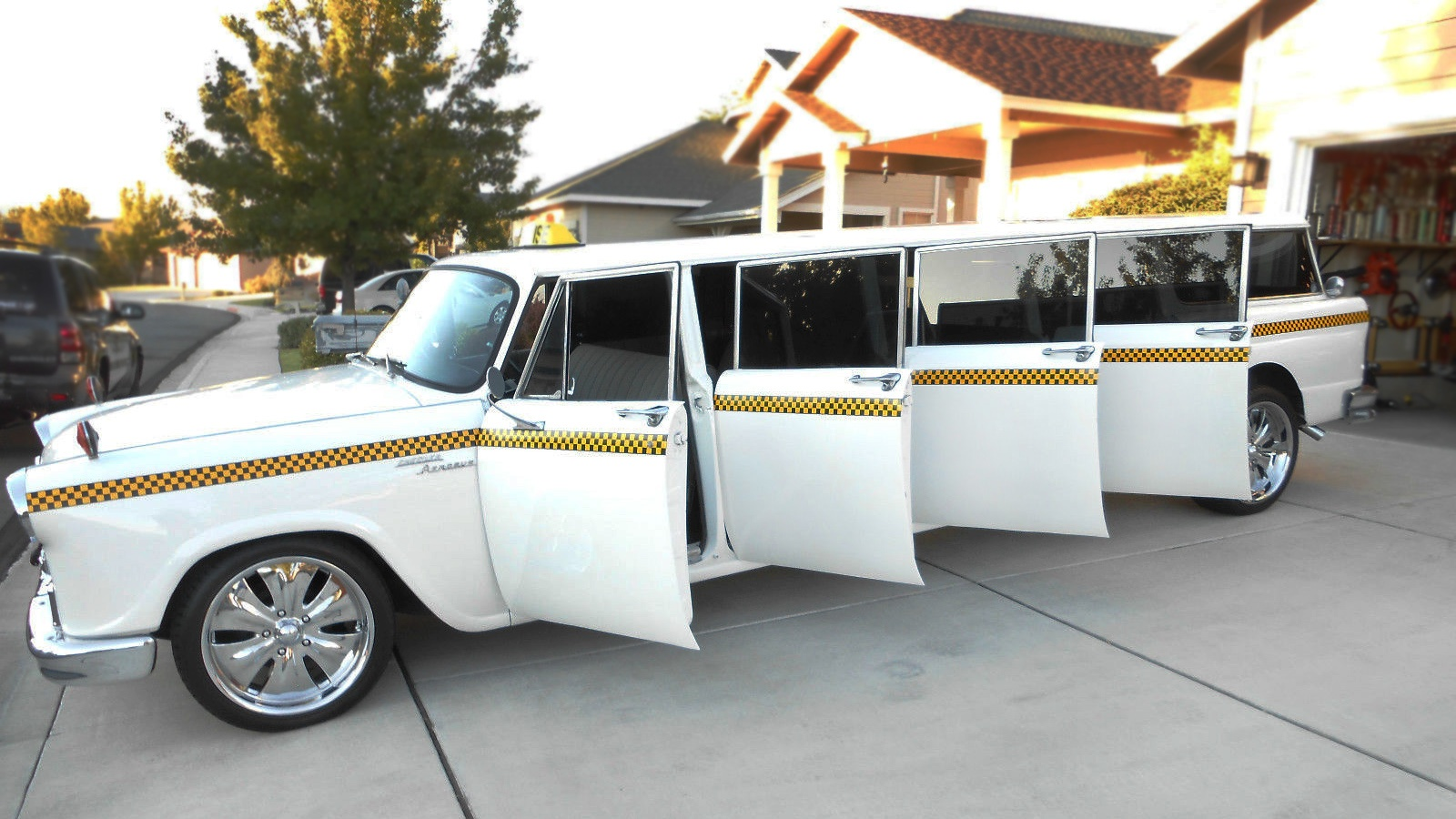 checker limo 1968 checker a 12 aerobus. Black Bedroom Furniture Sets. Home Design Ideas
