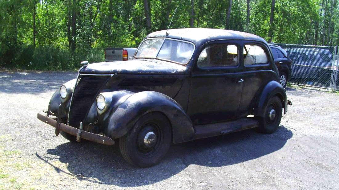 Cheap Humpback: 1937 Ford
