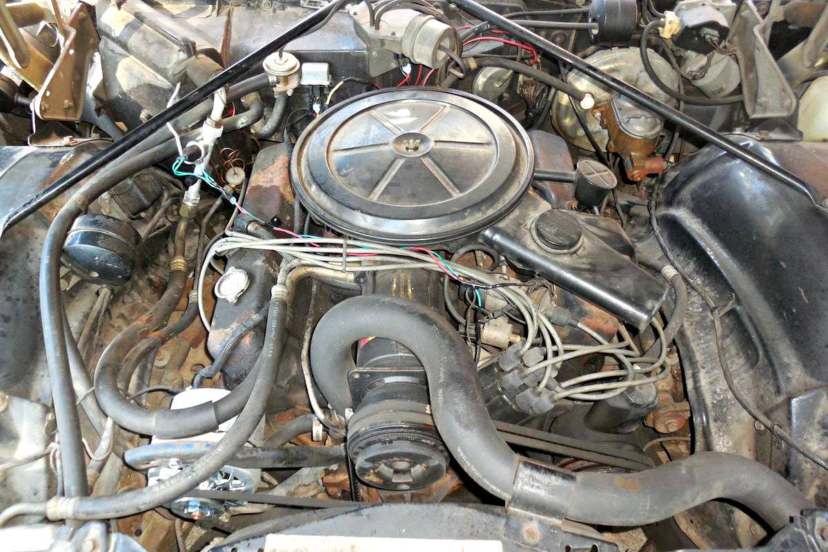Caddy on Cadillac 472 V8 Engine