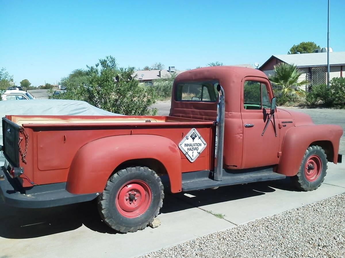 Restorable Binder: 1957 International S110