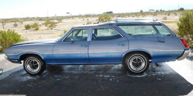 Iconic Cruiser: 1972 Oldsmobile Vista Cruiser