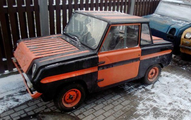USSR Car: 1980 SMZ S-3D