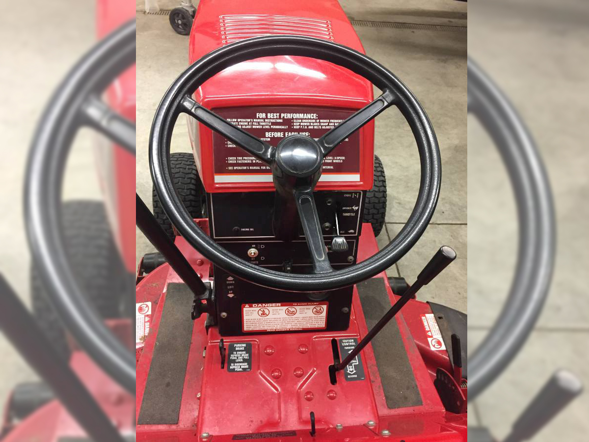 Free Horse with House: 1987 Wheel Horse 252-H on