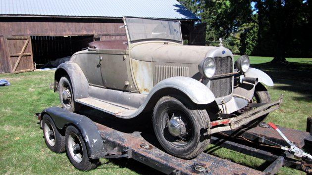Dusty Roadster: 1929 Ford Model A