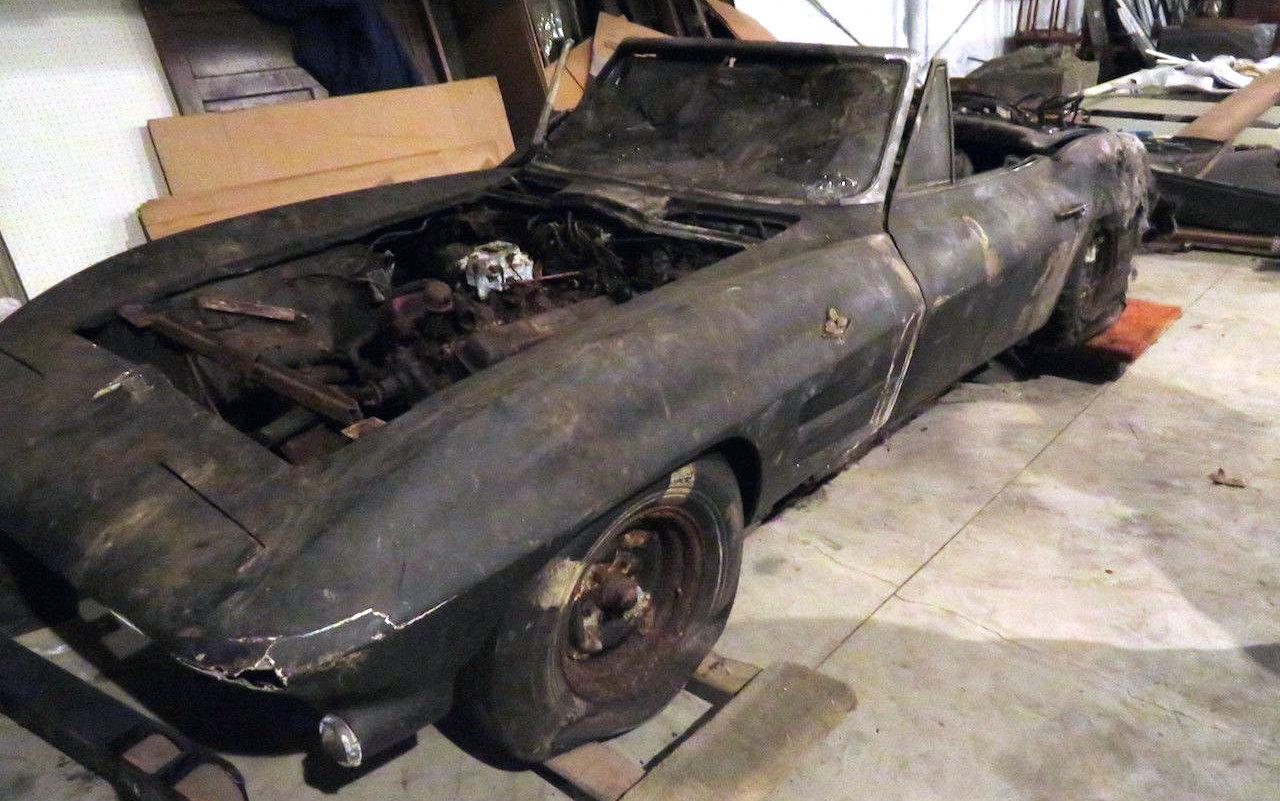 63 Split Window Corvette >> Charred 1963 Corvette Convertible