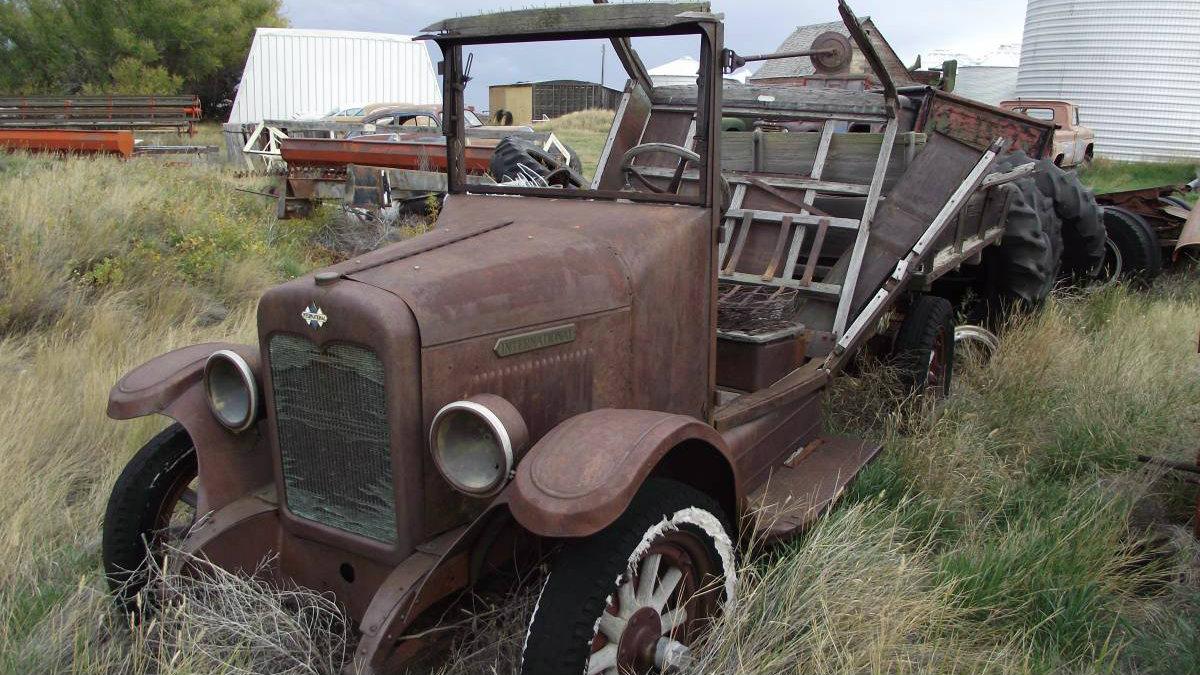 Calendar Worthy! Group of Montana Cars For Sale