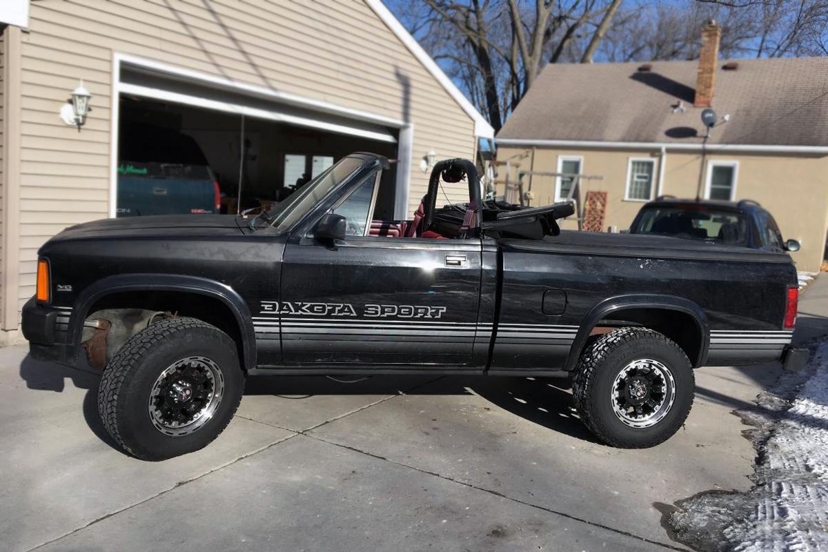 4x4 Ragtop: 1989 Dodge Dakota Convertible