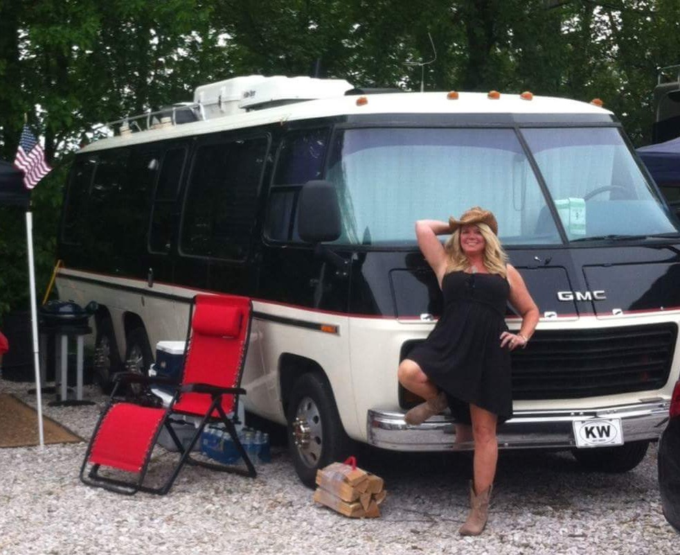 Only Way to Travel: 1977 GMC Motorhome
