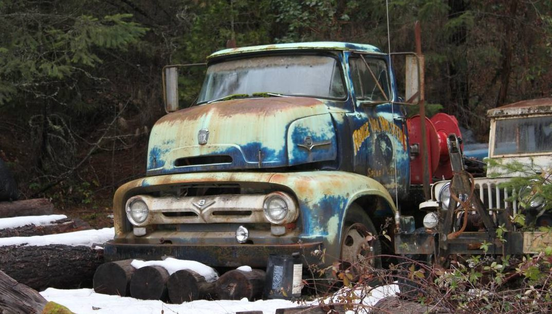 Paging Rouge Val Holsteins: 1956 Ford COE