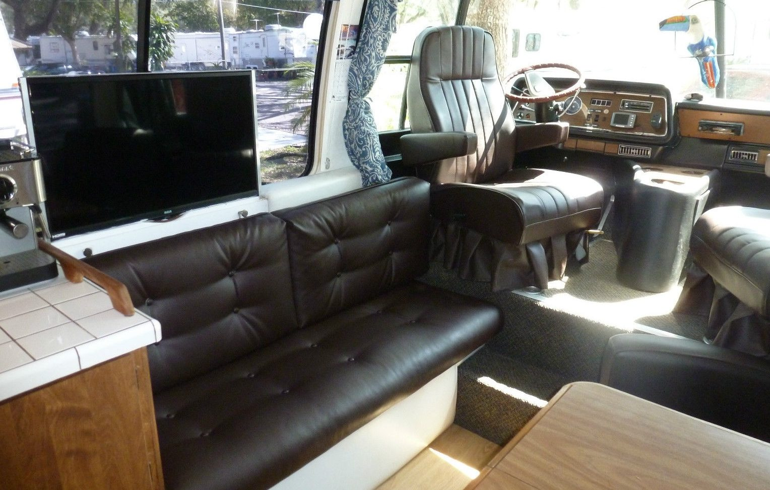 ... My Opinion, Is The Interior. So Many Of These Things Are Downright  Deplorable Inside. The Seller Has Clearly Taken The Time To Make This GMC  Motorhome ...