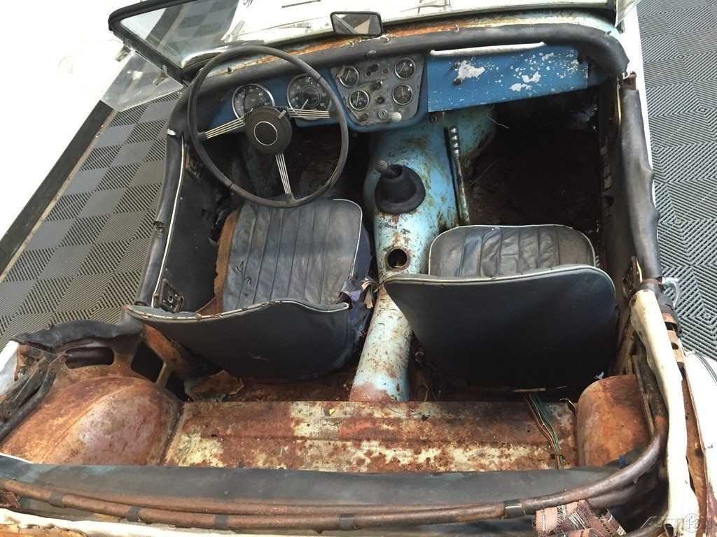 Rust on Rust: 1960 Triumph TR3A