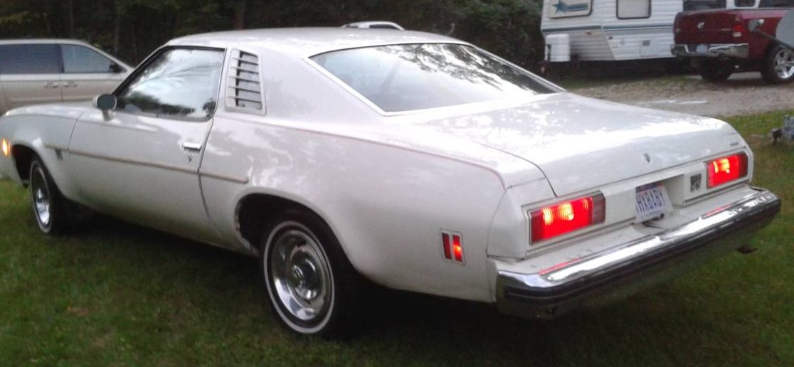 1,050 Canuck Editions: 1975 Chevy Laguna S3