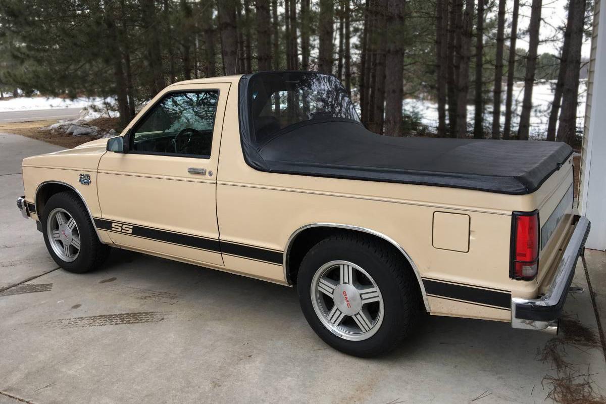 V8 Topless Tahoe  1985 Chevrolet S10 Blazer