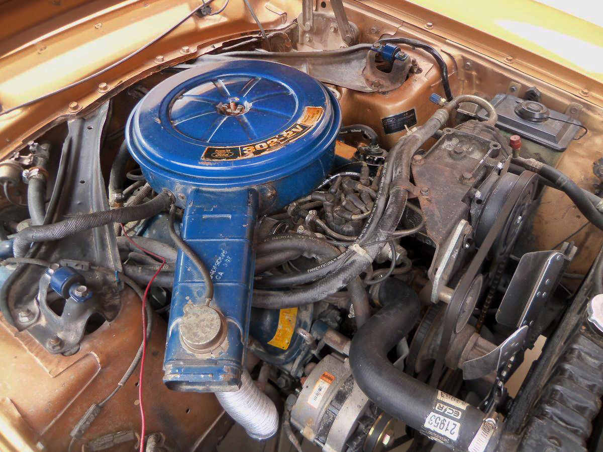 Grab This 1974 Ford Maverick Grabber 1972 Wiring Harness Kits Is Fords 302 V8 With A Two Barrel Carburetor And It Has Around 140 Hp The 1971 Had 210 So Times They Were Achangin