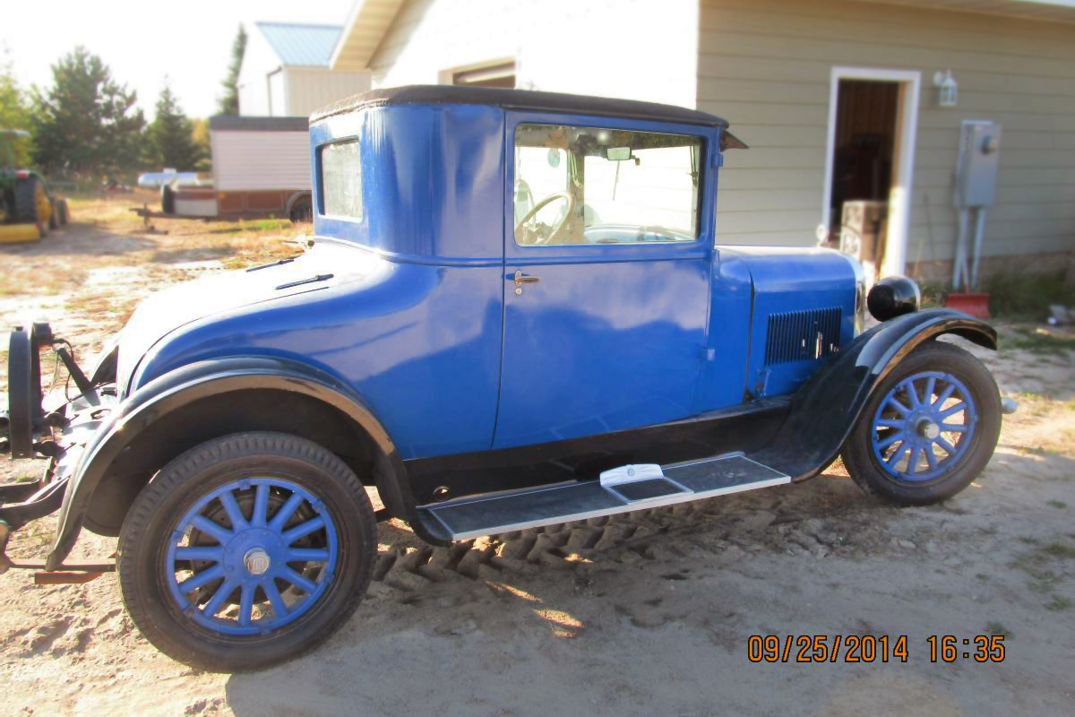 Can you identify 1927 dodge coupe im sticking with an early 1927 series 126 because of the blue but it could have a non factory paint color repaint confusing publicscrutiny Images