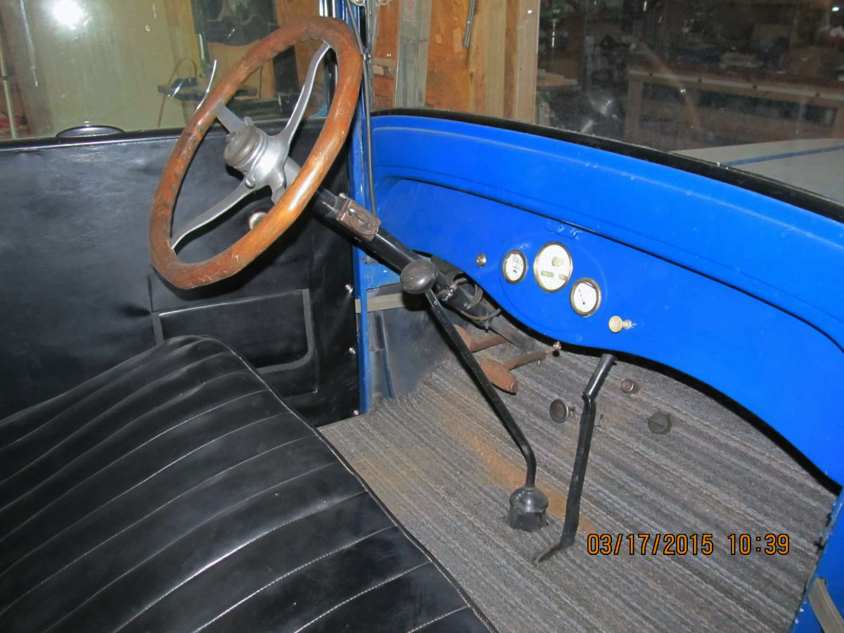 Can you identify 1927 dodge coupe apparently dodge offered only one blue in their business coupe in 1927 gendarme blue and the blue on this car seems like its a bit bright andor light publicscrutiny Images