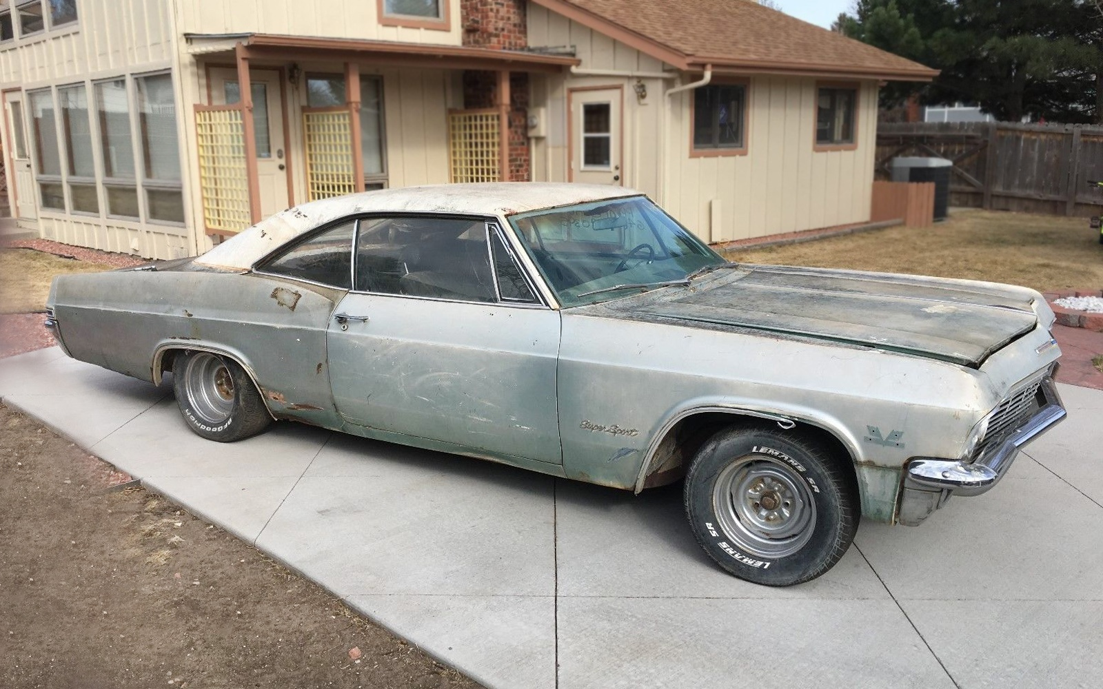 1965 chevrolet impala ss 396 also 1965 impala ss 396 425 hp for sale - The Classic One Year Tail Lights Are An Easy Car Spotters Feature Of The 1965 Chevys Chevy Broke A Sales Record With This Redesigned Car And It Was A