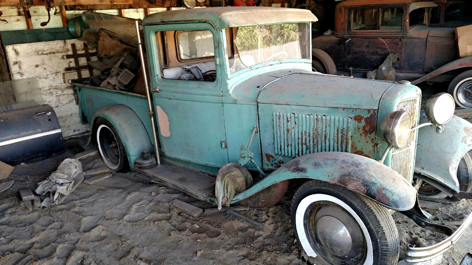 Lean-To Find: 1932 Ford Pickup