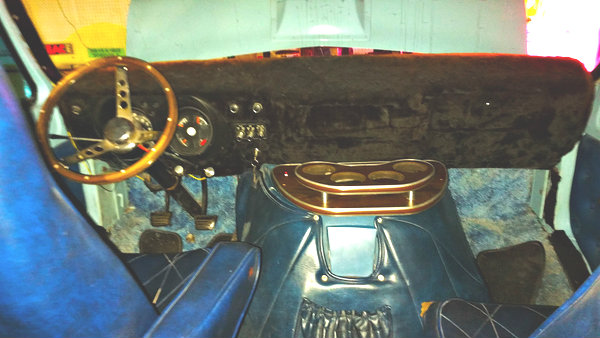 Peachy Classic 1976 Dodge Tradesman 100