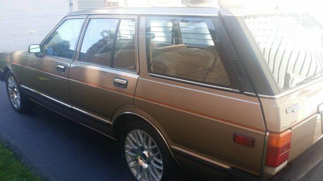 Split Personality : 1983 Datsun Maxima Wagon
