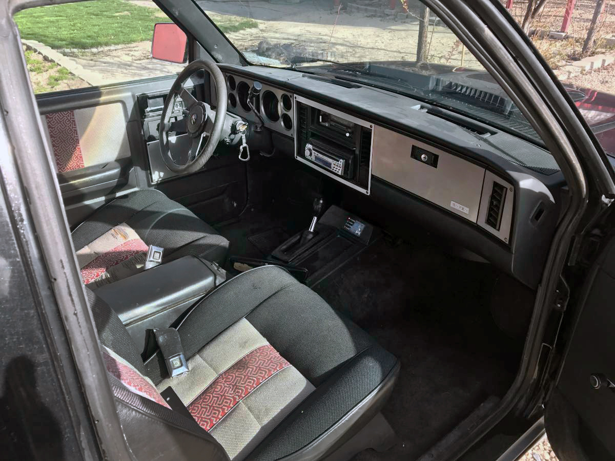 """The badge on the dash says """"Gypsy"""" and look at those seats! It's been a  while since I've seen such a great pattern – truck truck truck truck…"""