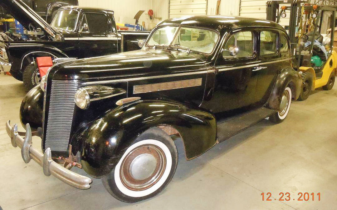 Looking Gangster: 1937 Buick Special