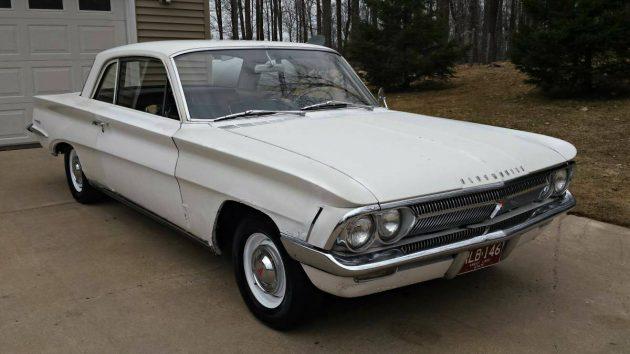 $800 V8 Classic: 1962 Oldsmobile F85