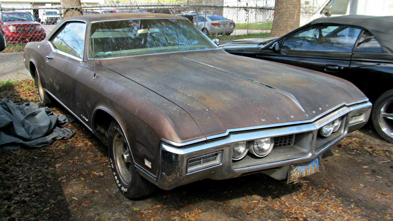 only 30 000 miles 1968 buick riviera. Black Bedroom Furniture Sets. Home Design Ideas