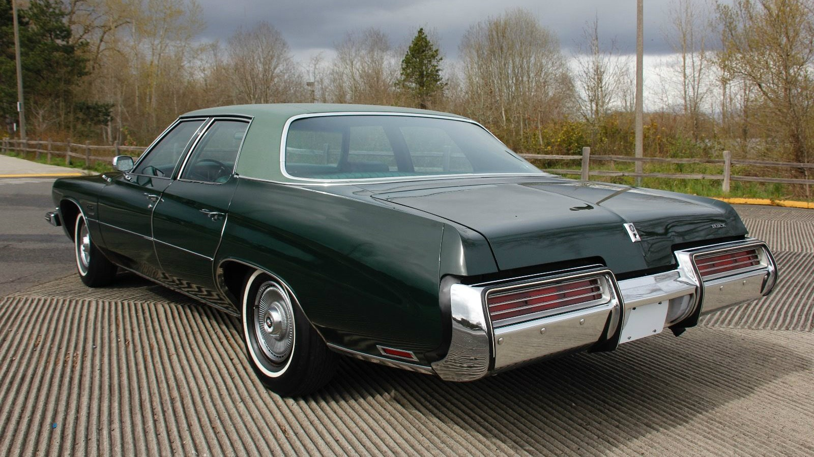 T on 1976 Buick Lesabre