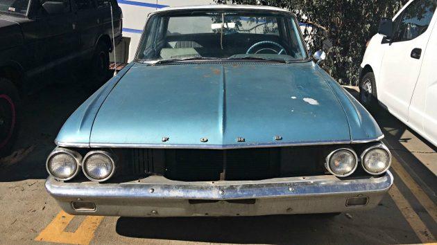 $2500 V8 4 Speed: 1961 Ford Fairlane