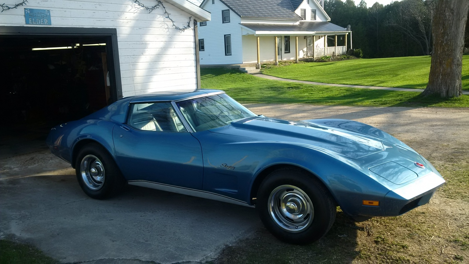454 And A 4 Speed 1974 Corvette