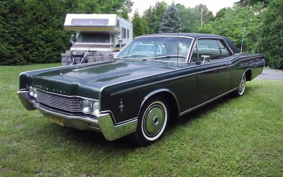 Gorgeous 1966 Lincoln Continental Coupe