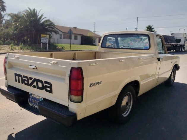 Nada Lists The Average Value Of A 1982 Mazda B2000 Sundowner Pickup As Being Around 3 000 So There S Still Little Way To Go On This Auction